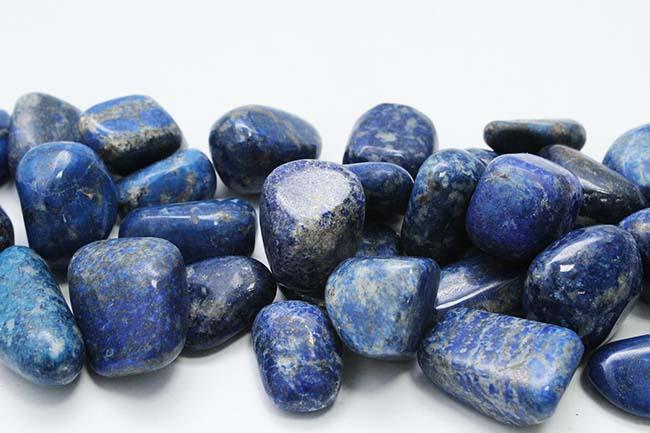 Lapis Lazuli - Tarot Cards and Crystals